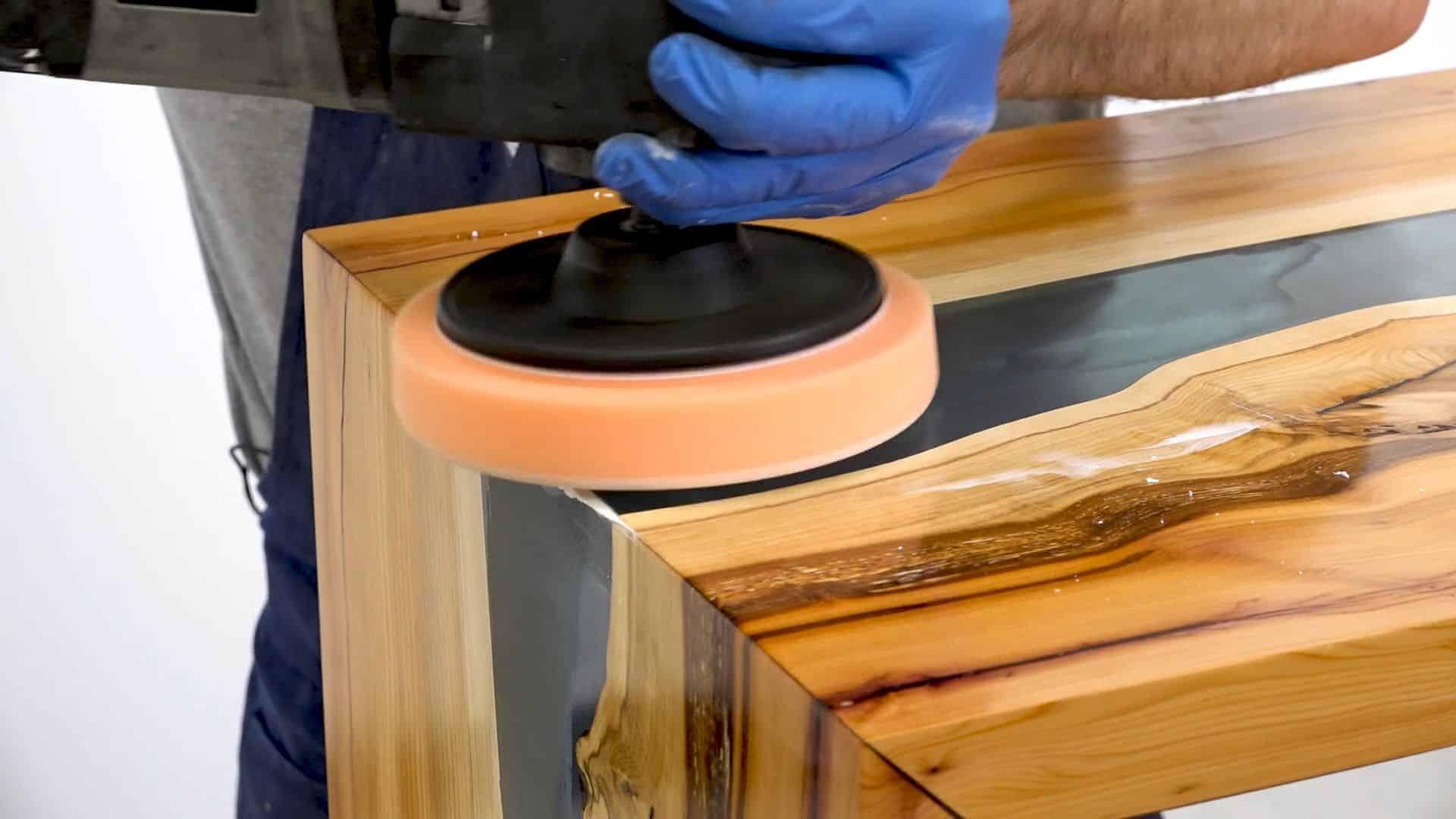 Come lucidare la resina e legno con abrasivi - Dalla realizzazione del manufatto alla lucidatura!