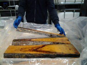 Come costruire un tavolo di legno e resina resine for Planimetrie con prezzo da costruire